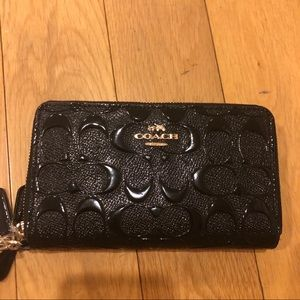 Brand new coach leather wallet wristlet